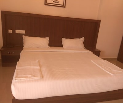 Hotel Highrange Plaza,Thekkady