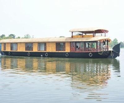Saaffron  Houseboats,Alleppey