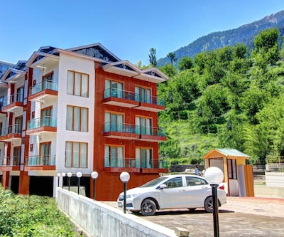 Hill County Resort,Manali