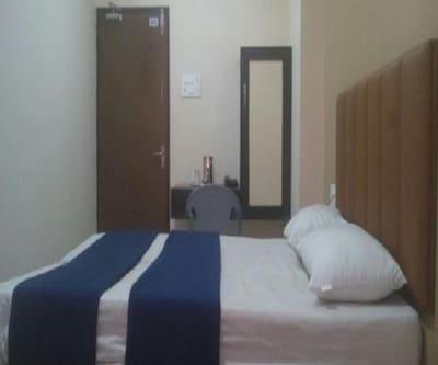 Woodside Hotel,Tirupati