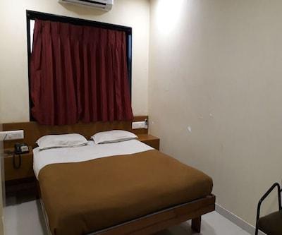 Hotel Yash,Rajkot