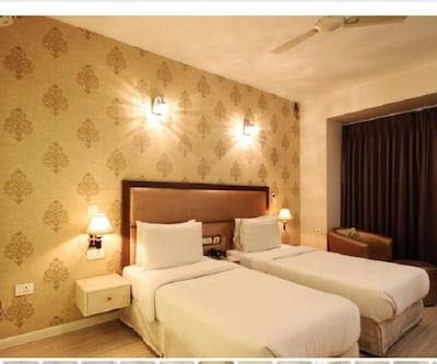 Emblem Hotel @ Hero Honda Chowk,Gurgaon
