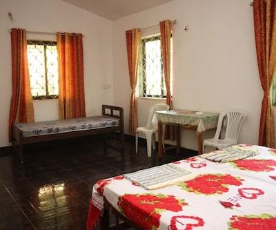 D Souza Villa Guest house, Calangute,