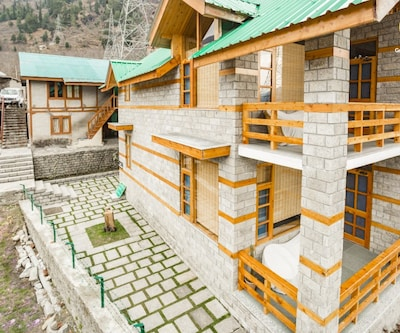 Well-appointed room in a stone cottage for nature lovers,Manali