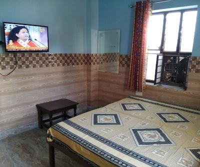 Hotel Bhopal Palace,Jaipur