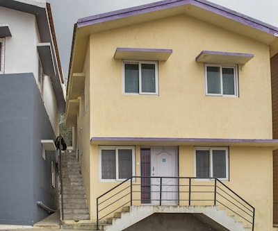 Well-appointed 2 BHK, a short walk from Ooty Lake,Ooty