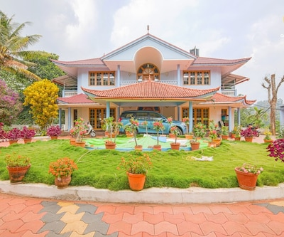Traditional retreat for a rejuvenating vacation,Munnar