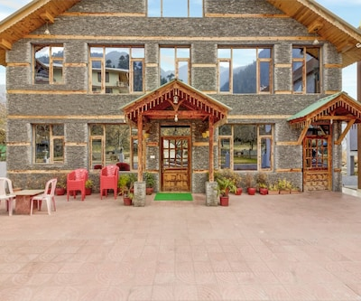 Cosy room in elegant cottage, ideal for a couple,Manali