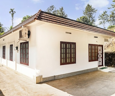 Peaceful 2 Bedroom property to Stay,Wayanad
