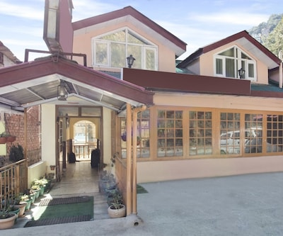2-bedroom restful stay, ideal for a small group,Shimla