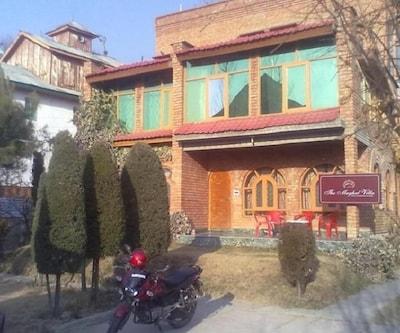 The Mughal Villa,Srinagar