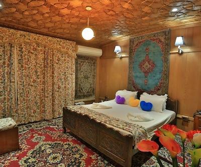 The Mughal Villa, none,