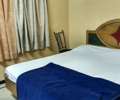 Hotel Akshaya Deluxe Lodge,Bangalore