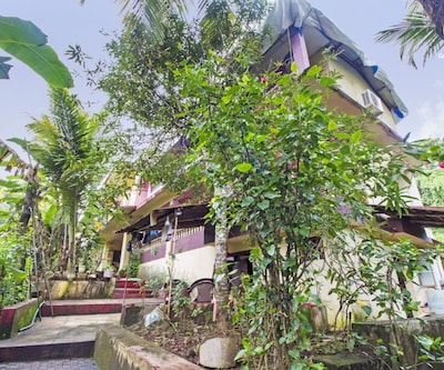 8-bedroom boutique stay, 550m from Vagator beach,Goa