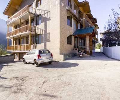 Cosy 1-bedroom boutique stay in Prini,Manali