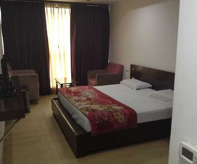 Karan Palace Guest House, none,