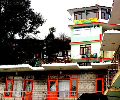 Antarctica Guest House, Old Manali,