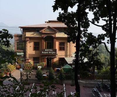 Hotel Rajpur Heights,Dehradun