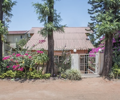 Quaint 3-BR bungalow, 2.8 km from Venna Lake,Mahabaleshwar