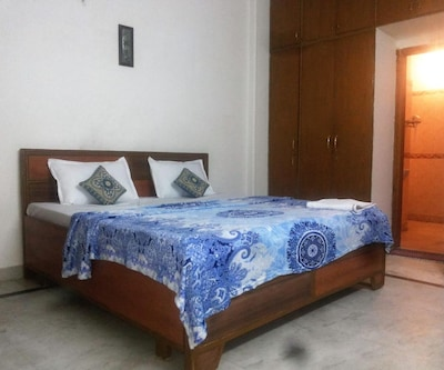 Redleaf Service Apartments,New Delhi