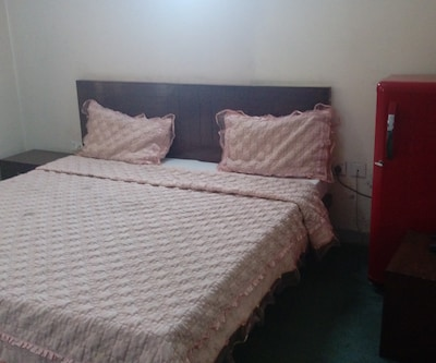 Hotel Devi Palace, Sector 12,