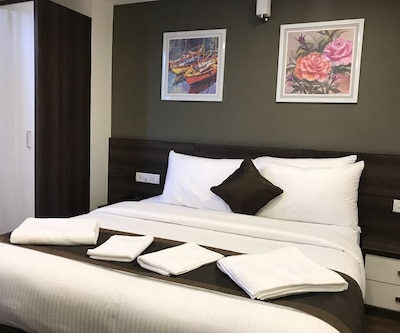Hotel Royal Inn, Electronic City,