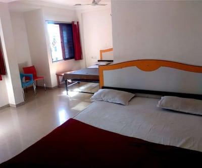 Hotel Sai Sunita Residency, Rahata,