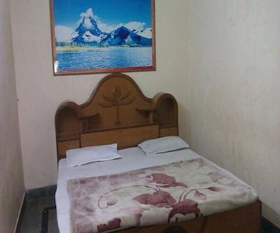 Hotel Gajraj Bari, none,