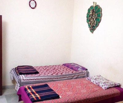 K D Guest House,Agra