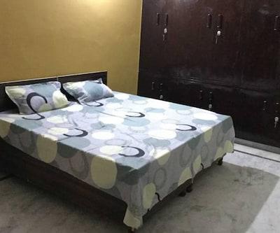 Hotel saraswati, Old Idgah Colony,