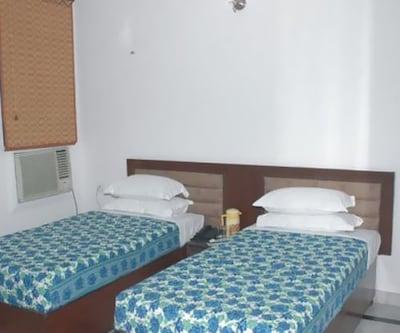 Hotel Satya,Agra