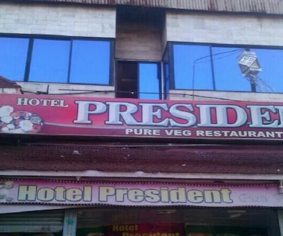 Hotel President, Near S T Stand,