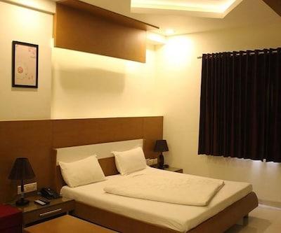 Hotel Atithi Lodge,Pune