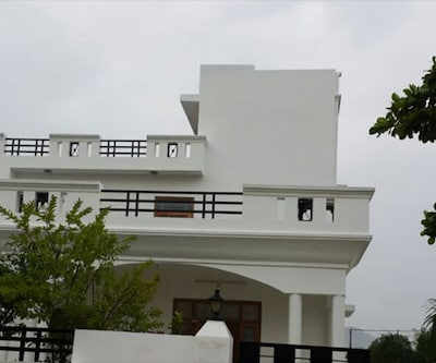 Hotel The Eagle Eyes,Udaipur