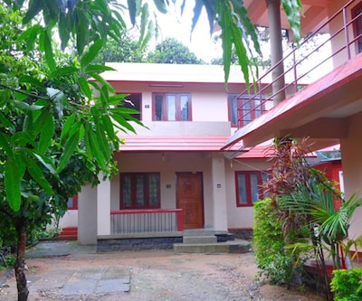 Summer Cottage By Travel Inn,Thekkady
