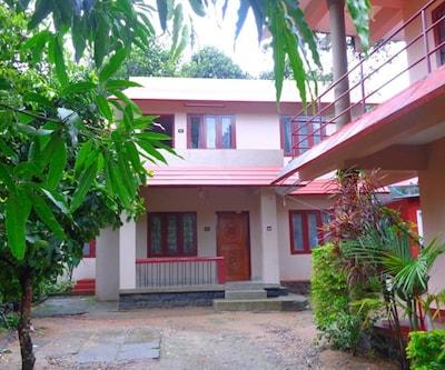 Summer Cottage By Travel Inn,Thekkady