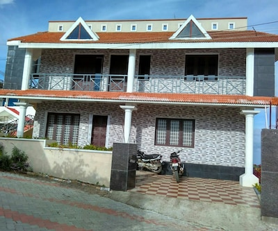 Queens Land Cottage,Kodaikanal