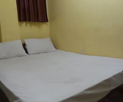 1 BHK Apartment AC, https://imgcld.yatra.com/ytimages/image/upload/c_fill,w_400,h_333/v1511692832/Hotel/Goa/00106469/20151214_163736_XEIlYw.jpg