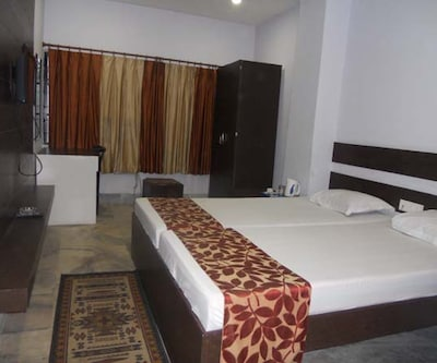 Standard Double Room (AC) with Breakfast,