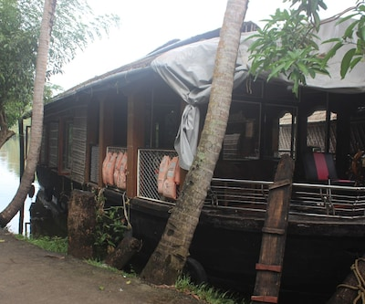 River Queen- Supreme,Alleppey