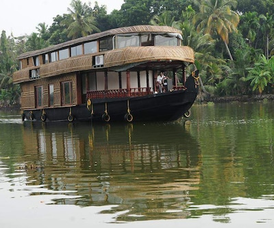 River Queen Harmony,Alleppey