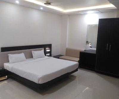 Niratshree Hotel,Indore