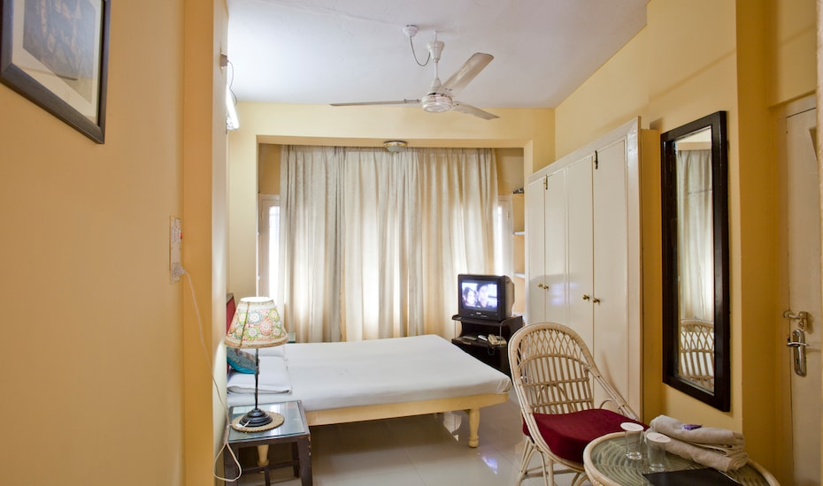 Mewar Inn, Residency Road,