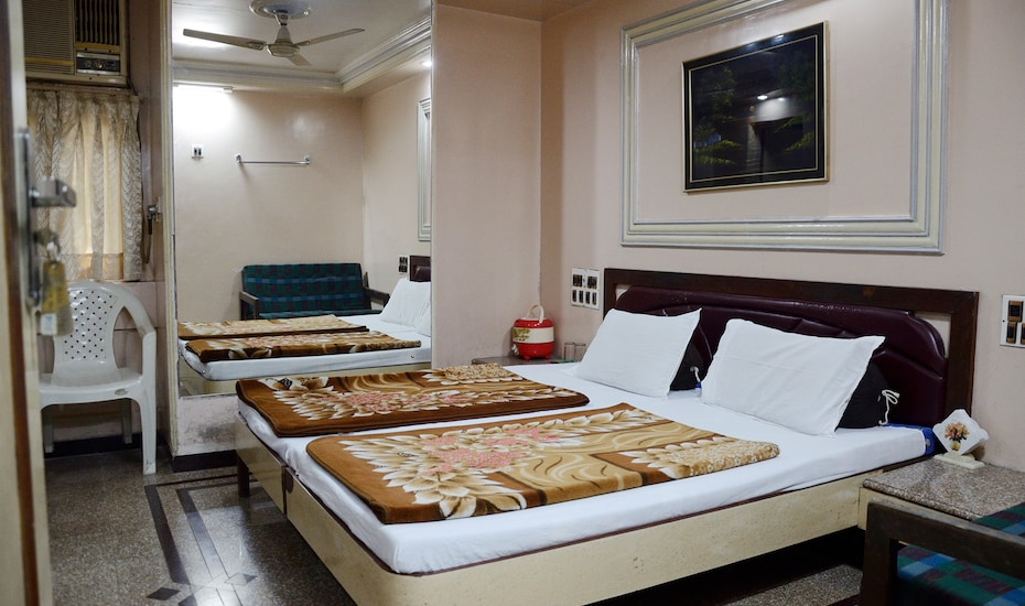 Hotel Outram, Fort,