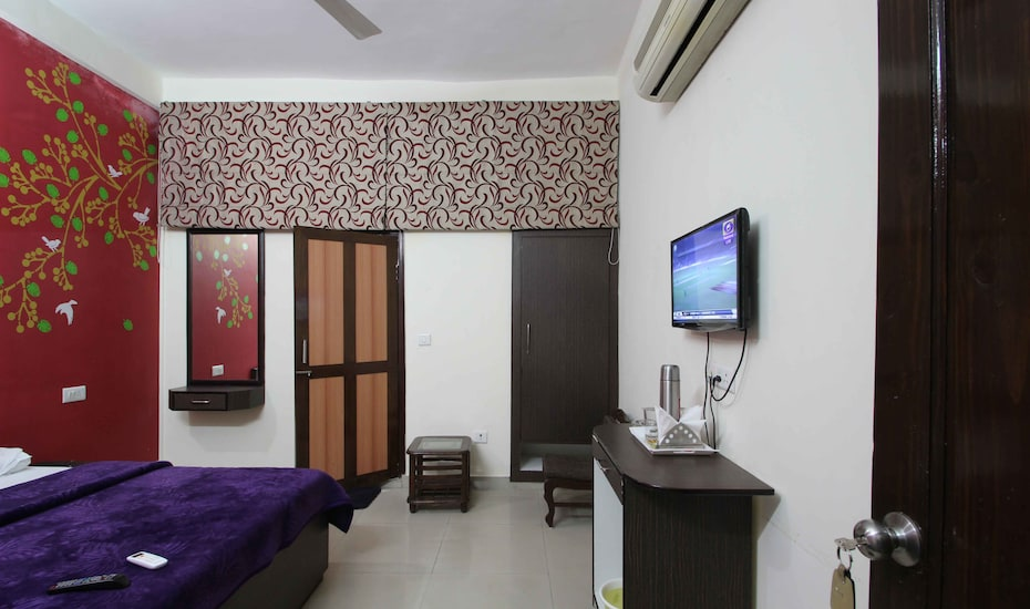 Hotel Bloom, Rajpur Road,