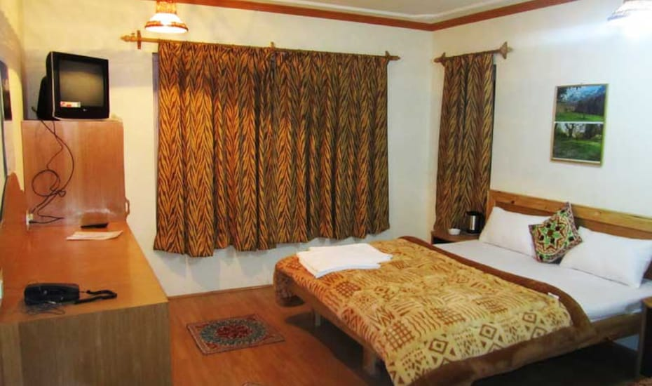 Hotel Royal Star, Raj Bagh,