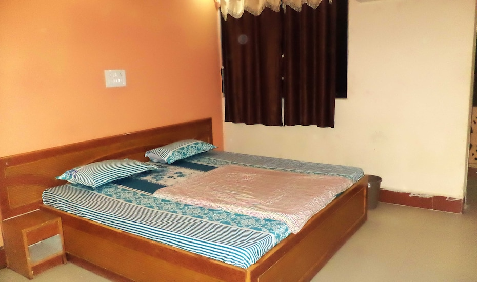 Hotel Nilesh Guest House, none,