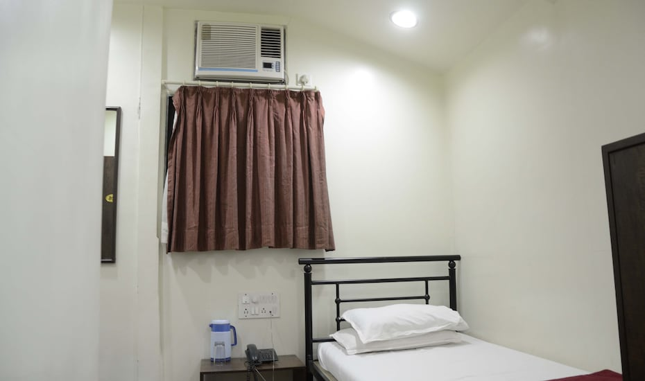 Hotel Kumkum, Lamington Road,