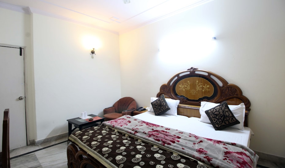 Hotel Royal Holidays, Karol Bagh,