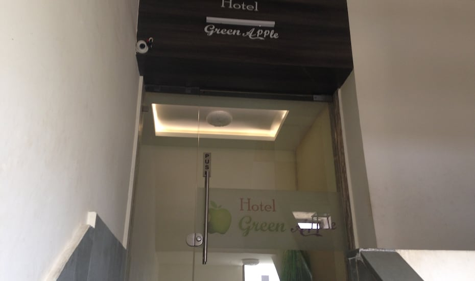 Hotel Green Apple, none,